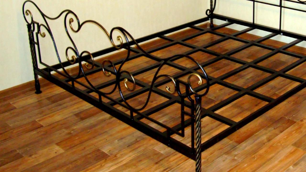 Большой выбор кованых железных кроватей для вашего дома в интернет магазине металлдекор. Купить металлическую кровать по доступной цене в. Детскую кровать;; модель с тройной спинкой;; одно или двуспальную кровать;; изделие с мягким изголовьем;; кровать с ящиками или подъемным.