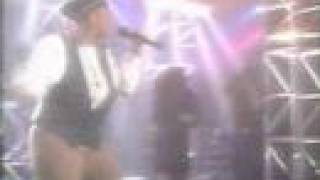 Queen Latifah - On Stage Performance