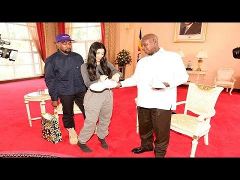 كاني وست وكيم كارداشيان يهديان رئيس أوغندا زوجا من الأحذية الرياضية…  - نشر قبل 2 ساعة