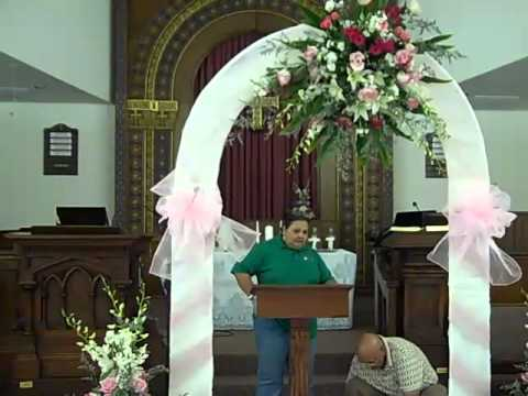 Wedding decorations fresh flowers orchids lillies and roses wedding decorations fresh flowers orchids lillies and roses church ceremony arch junglespirit Choice Image