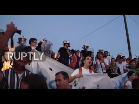 Greece: Stranded refugees protest against 'hopelessness' in Athens