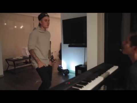 Justin Bieber singing an unreleased song w/ Rudy Mancuso at the piano.