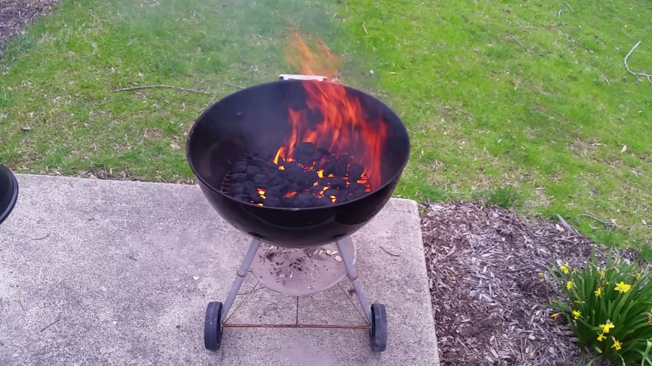 Lighting A Weber Charcoal Grill In 6 Minutes Without Lighter Fluid