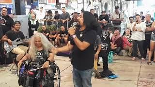 6 suara artis dia tiru dlm lagu Lamunan Terhenti.. merechik bak hang..  terbaik brother..👌😎😎 MP3