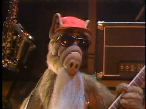 Alf Makes a Music Video