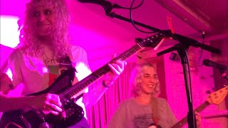 Chastity Belt - Different Now (Live @ YES, The Pink Room, Manchester)