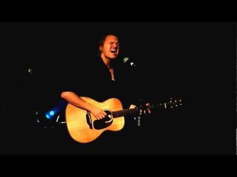 Tom McRae - You Cut Her Hair (live in Lyon)
