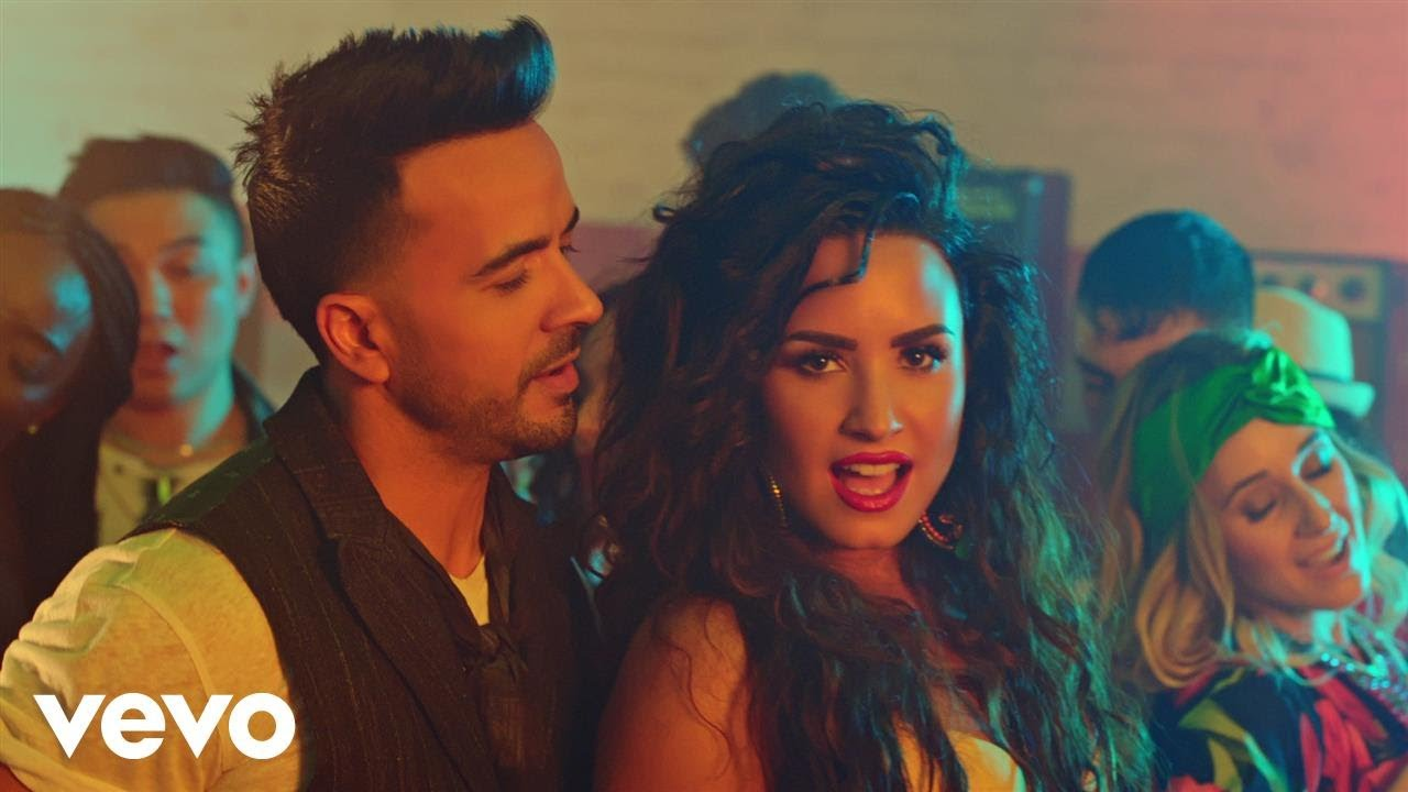Luis Fonsi, Demi Lovato - Échame La Culpa (Video Oficial) youtube video statistics on substuber.com