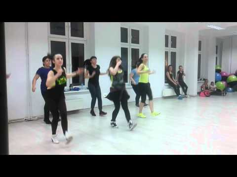 "Zumba ® - ""Mi Gente"" Choreography by Lulu-Lemon Fitness Studio"
