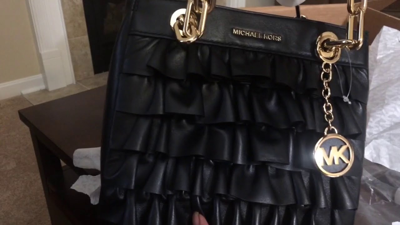 8a71735dffdc Unboxing new MICHAEL KORS Cynthia Ruffled Leather Satchel small ...
