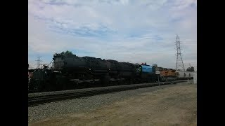 Union Pacific Big Boy 4-8-8-4 #4014 makes the shuttle move to West Colton 1/26/14
