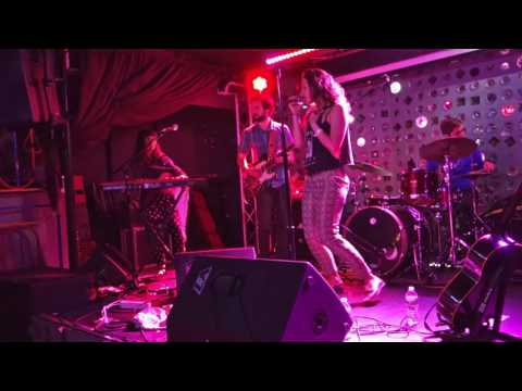 Sophie Auster   Bad Manners  live at Baby's Allright  june 19 2016