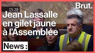 Jean Lassalle en gilet jaune en pleine Assemblée nationale