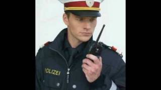 Wolfgang Ambros - Polizist