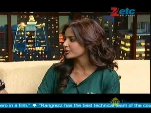 Jackky Bhagnani & Priya Anand With Komal Nahta