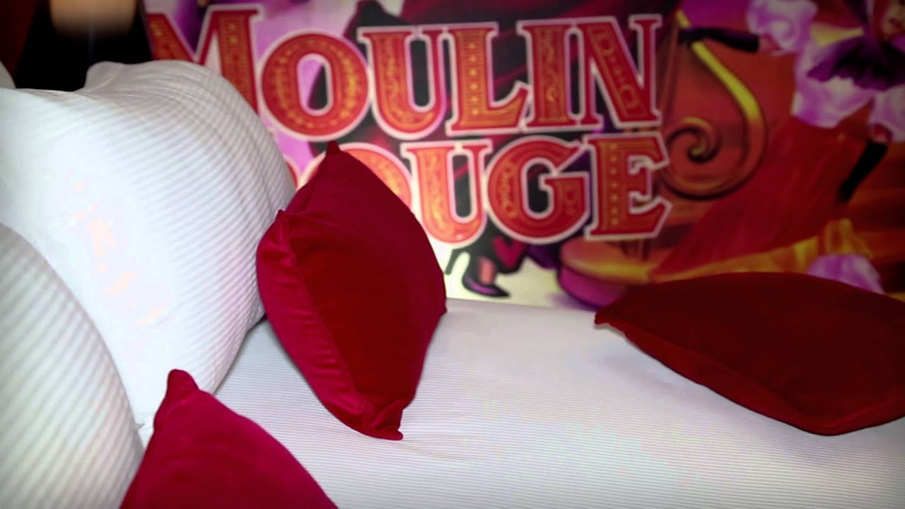 Room Moulin Rouge Hotel Design Secret de Paris