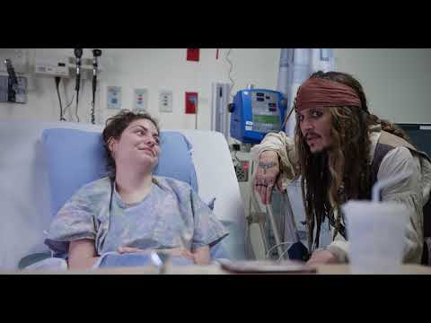 "Johnny Depp as ""Captain Jack Sparrow"" sails into Vancouver to visit patients at BCCH FULL }"