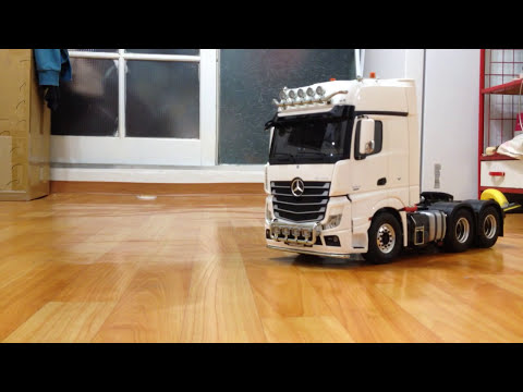 1:14 Tamiya Mercedes-Benz Actros 3363 Gigaspace 6x4 PURE WHITE_HD