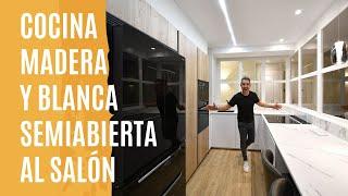 Cocina PEQUEÑA con BARRA Moderna CJR