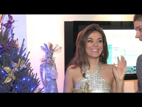 Таня Терешина и Слава Никитин наряжают елку для RU.TV