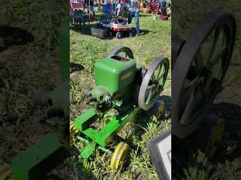 John Deere Hit and Miss Machine 1927 old farm machines
