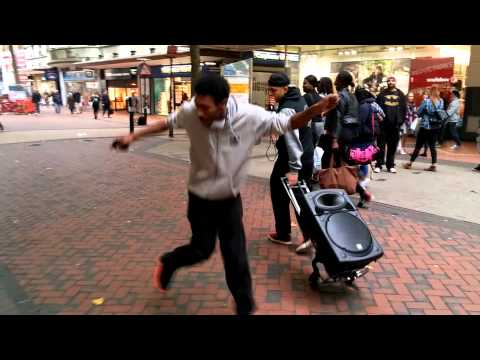 Beatboxer makes people dance!!!!!