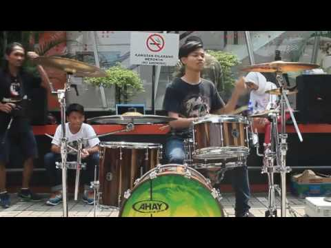 Irfand prastyo - paramore ( missery business) with depok drummer familly (DDF)