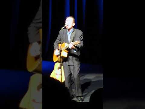 "Hugh Cornwell ""under her spell"" acoustic gig in Arlington"