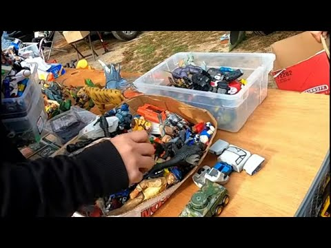 Live Retro Toy Hunting #67 Flea Market Finds Found A Flagg!!