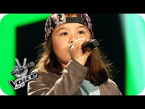 Ewig - Ein Geschenk (Pia) | The Voice Kids 2017 (Germany) | Blind Auditions | SAT.1