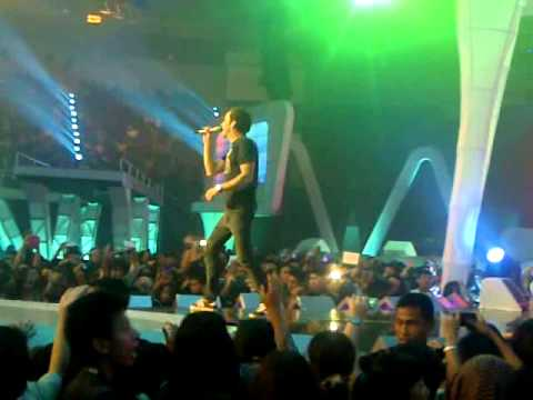 Simple Plan - I'd Do Anything at HUT ANTV VIVA LA VIDA 17 Maret 2013 Jakarta