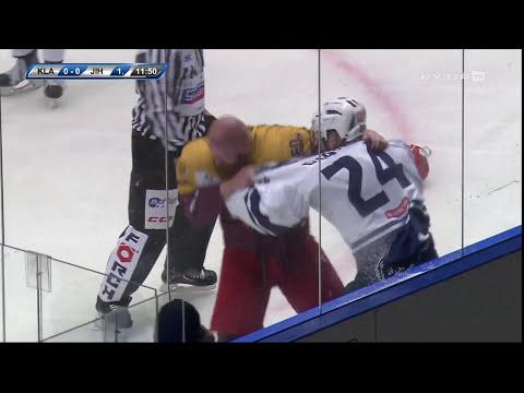 Josh Gratton vs. Vlastimil Bilčík (Rytíři Kladno - Dukla Jihlava)