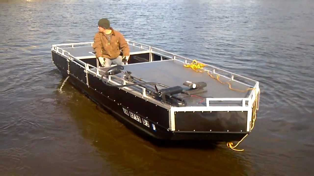 Jet Jon Bowfishing Boat - YouTube