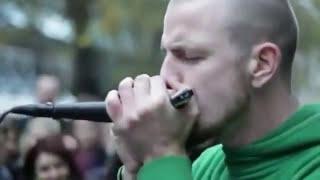 شاب يوقف شارع كامل فى لندن ليشاهدوا موهبته الراااائعة!