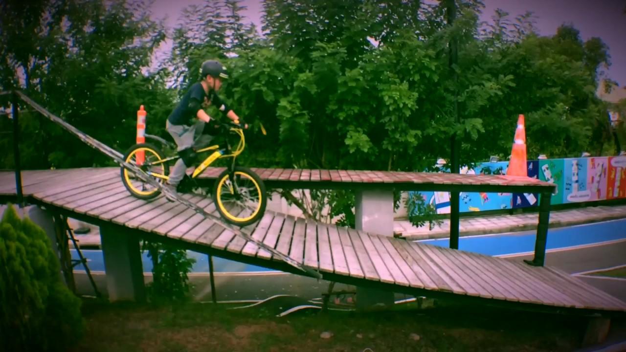 Mochi   Peppermint Bike Park Thailand - YouTube 4748f0f52