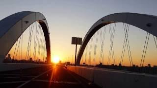 夕焼けを見ながら首都高速環状線江北JCTから王子北ICを走行