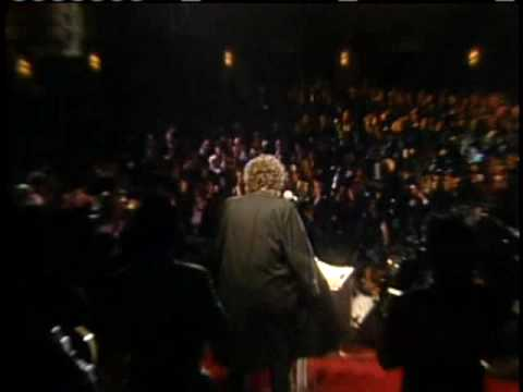 Bob Dylan accepts award Rock and Roll Hall of Fame inductions 1988