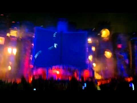 Skrillex - Summit & Equinox & Cinema (last 15 Minutes) @ Tomorrowland 2012 (HD)