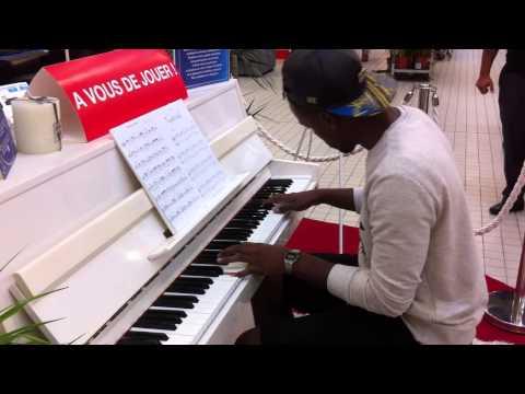 Comptine d'un autre été (Yann Tiersen) à Carrefour PIANO