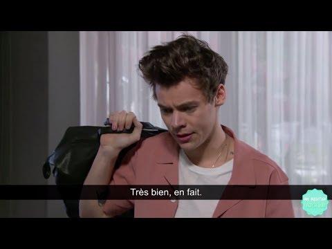 Harry Styles a du mal à rentrer au Late Late Show de James Corden - VOSTFR Traduction Française