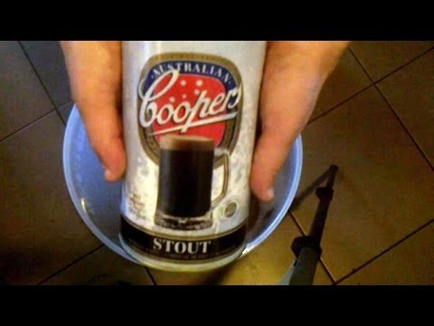 Coopers Chocolate and Vanilla Stout - From Brewing to Tasting!