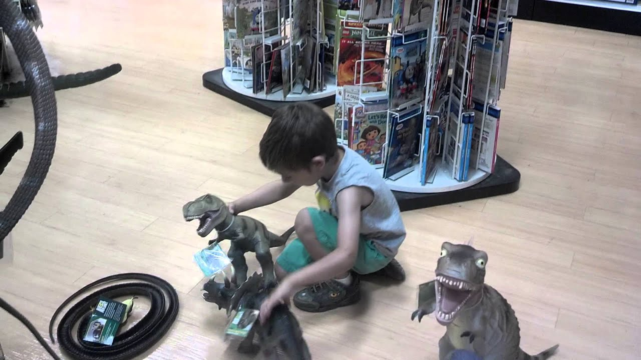 Dinosaurs Toys R Us : Dinosaurs at toys r us youtube