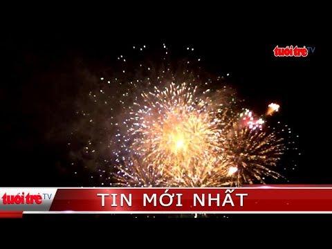Người dân Phú Quốc tưng bừng ngắm màn pháo hoa sớm