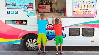Bộ sưu tập video từ Vlad và Nikita! Món ưa thích cho bé là kem!