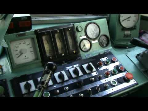 ST43 (060DA) od środka :) | Inside ST43 (060DA) diesel locomotive