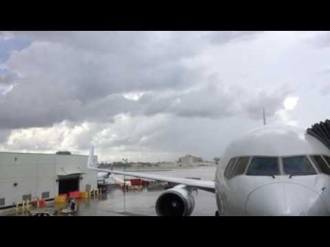 Airport delay lightning