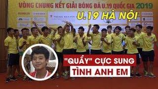 """Đàn em Quang Hải quẩy """"Tình anh em"""" cực sung, """"siêu nhân"""" Gia Huy đang ăn cũng phải sửng sốt"""