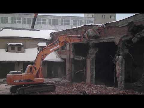 Обрушение (демонтаж) промышленного ангара