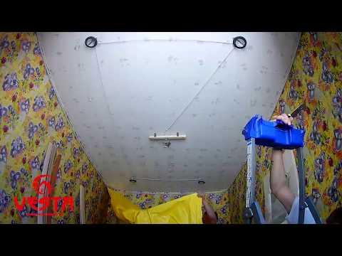 Желтый натяжной потолок в детской