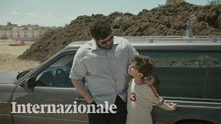 Gianluca e Massimiliano De Serio raccontano una scena di Spaccapietre